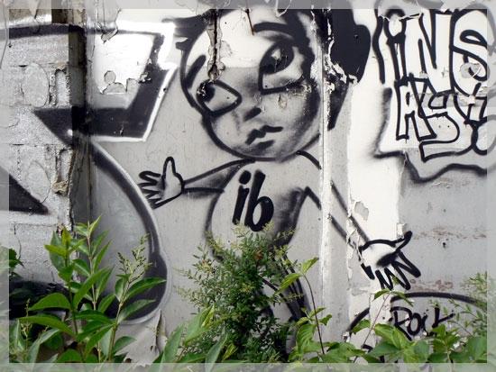 Tag sur un mur à Issy Les Moulineaux