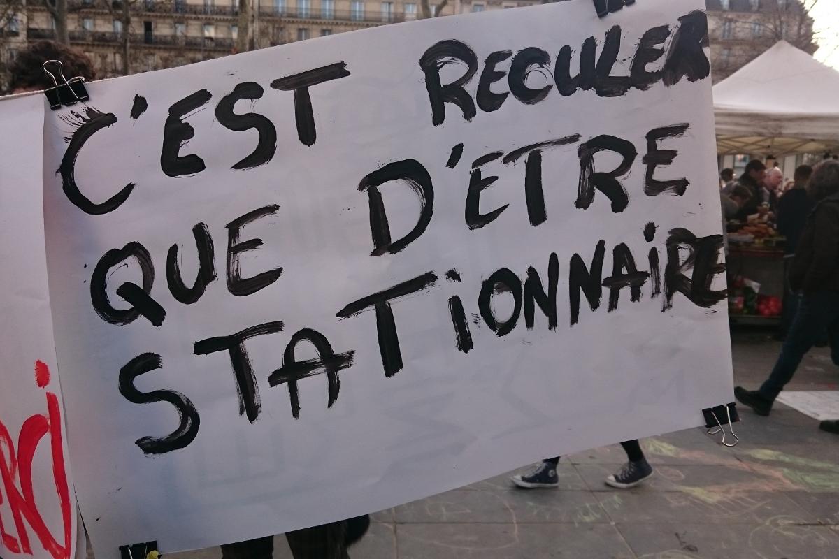 Stationnaire - Nuit Debout